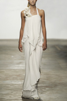 A Eun Jeong runway look from the all-white debut collection.