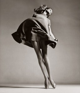 veruschka-dress-by-bill-blass-new-york-january-1967-richard-avedon1