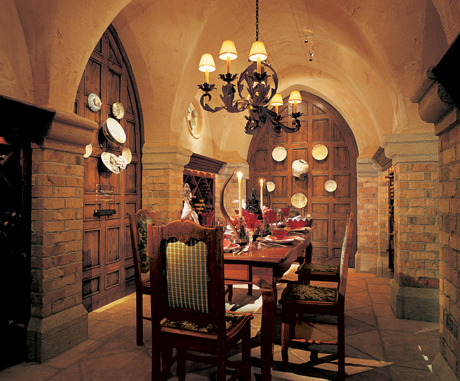 Wine cellar weekly living spaces corks and caftans for Wine cellar in house